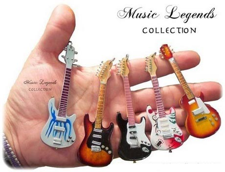 guitar-shaped-keychains